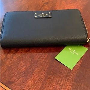 NWT Kate Spade Neda Grove Street Leather Wallet!